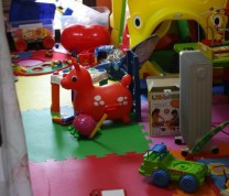 Volunteer Childreen Care House Room for Kids to Play